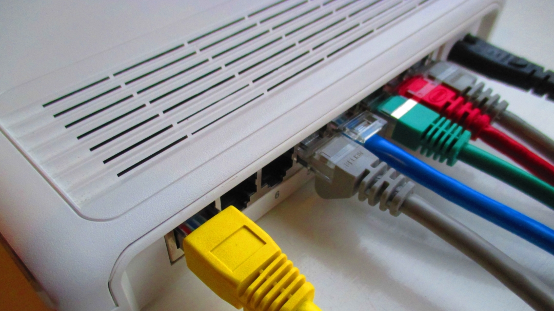 router with ethernet cables